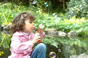 afeps- enfants- jeu-foret-bonheur